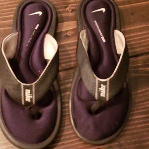 Nike slides comfort footbed